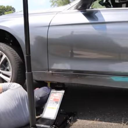 Kompletter Radwechsel bei einem BMW